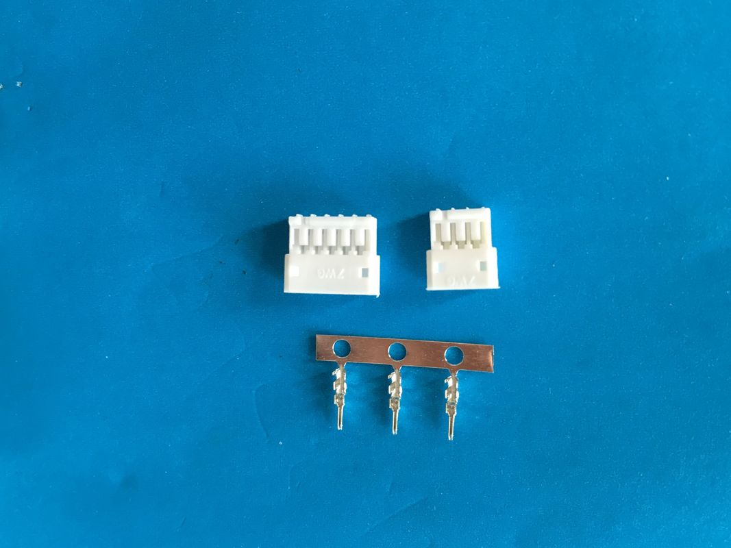 1.5 mm Pitch Female Electric Wire Connector , 2-16 Poles , White Color , Nylon 66 UL94V-0